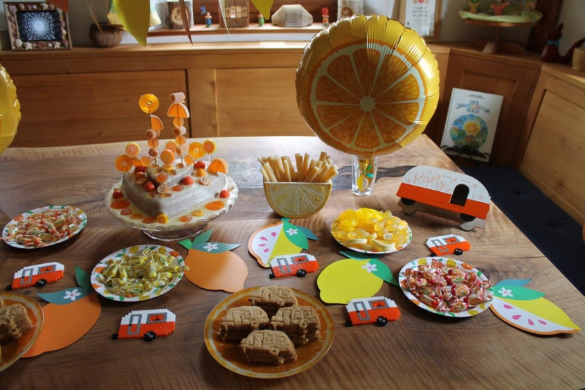 Oranginaparty Orangina Wohnwagenparty Campingparty Übernachtungsparty Kinderfest Kinderparty Kindergeburtstag Pyjamaparty Sommerfest