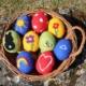 Ostereier filzen Filzostereier Oster-DIY Nassfilzen Trockenfilzen Filzeier Filzostereier Basteln im Frühling Basteln mit Kindern Osterzeit
