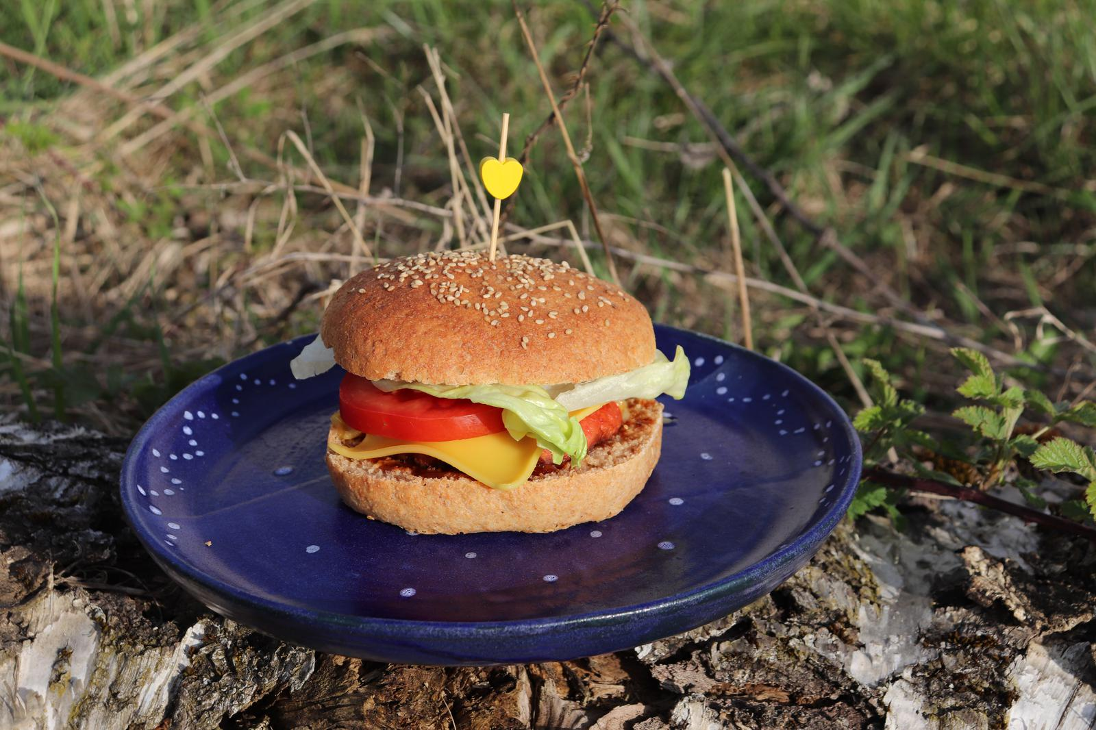 Vegane Vollkorn-Burger-Buns|Vollkorn Burger Buns|Vegane Vollkorn Burger Buns|Vegane Vollkorn Burgerbrötchen|vollwertige Burger Buns|Vollwertige Burgerbrötchen|vegane Burgerbrötchen|vegane Burger Buns|Burgerbuns|vegane Burgerbuns|vegane Burgerbrötchen|vegan und vollwertig|vegane Vollwertküche|vollwertig und vegan|Vollwertküche|vegane Familienküche|vegane Familienrezepte|