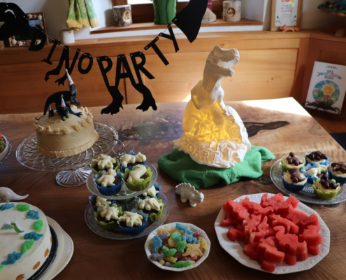 Dinoparty|Dinosaurierparty|Dino-Kindergeburtstag|Dinosauriergeburtstag|Kindergeburtstag|Dinosaurier|Dinos|Kinderfest|Kindergeburtstage feiern