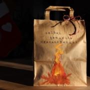 Selbstgemachte Ofenanzünder Ofenanzünder Upcycling Tannenzapfen Kerzenreste DIY Weihnachtsgeschenke Kleine Geschenke selbstgemachte Geschenke Glückswerkstatt