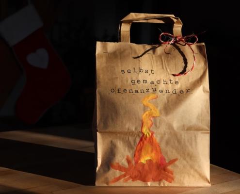 Selbstgemachte Ofenanzünder|Ofenanzünder|Upcycling|Tannenzapfen|Kerzenreste|DIY|Weihnachtsgeschenke|Kleine Geschenke|selbstgemachte Geschenke|Glückswerkstatt